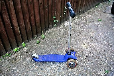 Mini Micro Macro toddler Scooter in blue