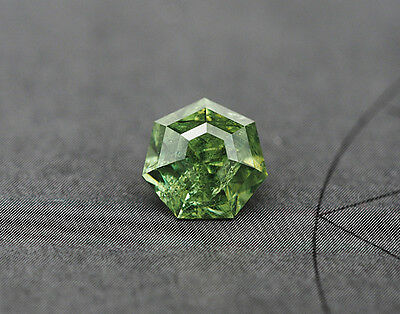 b74.)  DEMANTOID  DEMANTOIDE  GRANAT  GARNET  2,05CT