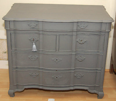 Painted Serpentine Front Continental Chest Of Drawers c. 1780