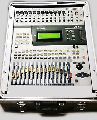 Yamaha 01V Digital Mixer Mischer Case Rack Schienen Live Band Musiker Studio