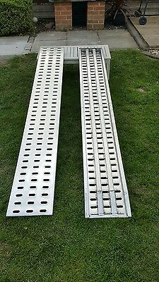New 2x2.5m Aluminium loading ramps for recovery trucks / plant / trailer.