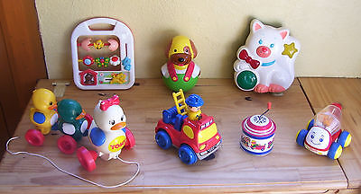 Lot de jouets 1er age Chicco, Tomy, Smoby