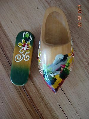 Dutch looking clog and brush set