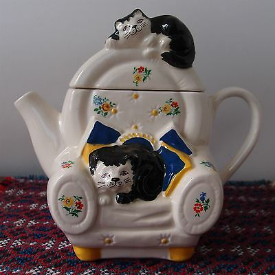 Novelty Decorative Teapot Wade - Two Cats in Armchair - Whimsical Collection