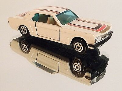 Vintage 1970's Yatming Speeding Wheels 1966 Ford Mustang Coupe! BLACK BASE! 1/64