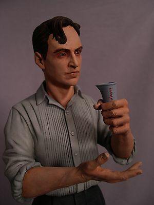 """Monster  Dr. Jekyll 1/4 Scale Resin Kit 19"""" Tall W/base (Yagher Sculpt)"""