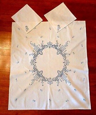"Vintage Cotton Hand EMBROIDERY & Crosstitch Tablecloth w/ 2 Napkings 37 1/2"" x 4"
