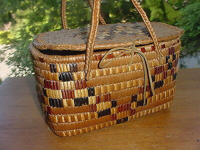 Old Vintage Thompson River Salish Indian Lidded Basket Northwest Coast