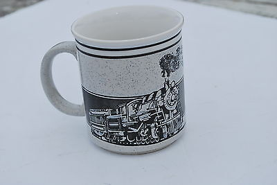 Nice Strasburg Railroad Coffee Mug - NICE!!  3 3/4 inches talll