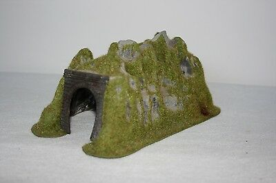N Scale Single Track Tunnel - Sceniced
