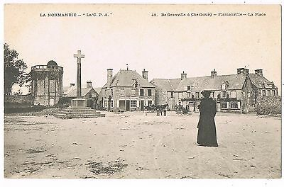 Cpa  50 / Flamanville /  La Place / Animee /