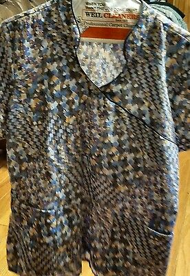 Ladies elan by Barco multicolored scrub top.   size large