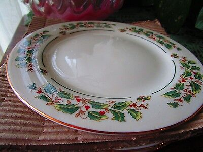 4 Cambridge potteries Holly Traditions Dinner   Plates