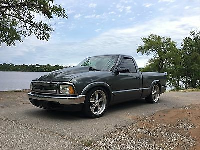 1995 Chevrolet S-10 Black Custom and Clean Chevy S10 1995 Truck
