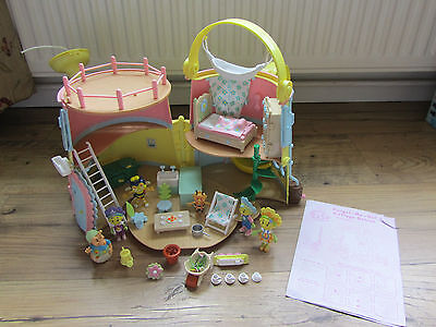 Fifi & The Flowertots Forget Me Not Cottage With Lots Of Figures & Accessories