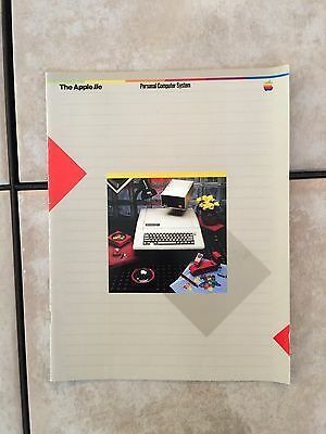 Apple IIe Owner's Manual - Vintage, Excellent Condition & Great Price!