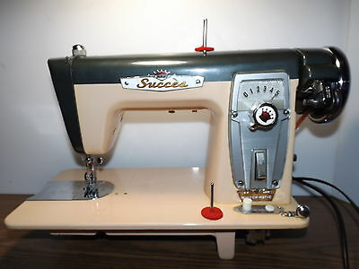 TOYOTA Industrial Strength HEAVY DUTY Sewing Machine 1.5 AMP MOTOR
