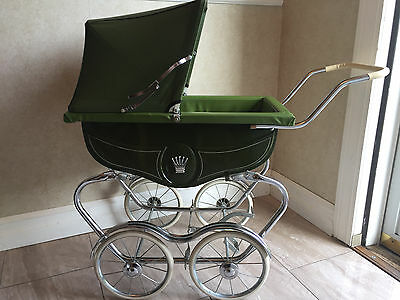 Vintage 1960's Doll Pram-Carriage