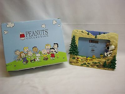 """Snoopy Peanuts 3D picture frame, """"Mountain Hiking"""", Westland #8380, NEW in box"""