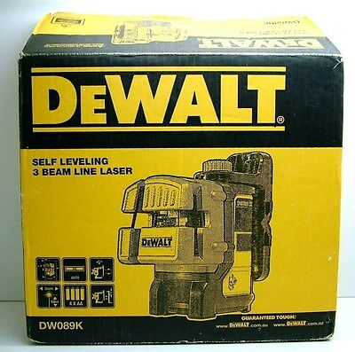 DeWalt DW089K  Self Levelling 3 Line Laser Level Kit