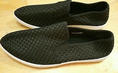 Via pinky Collection Women's Black Pointed Toes Sneakers NEW Sz 8(#Lot23