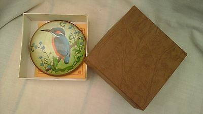 Fine Art Kingfisher glass paperweight, handcast by Nigel Pain, with original box