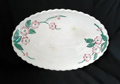 Maling Oval Plate White With Pink Floral Design.Size 28 x 18 cm.