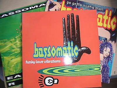 "Wm Orbit/Bassomatic  3x12"" singles Love Vibrations Ease On By Go Getta exc cond"