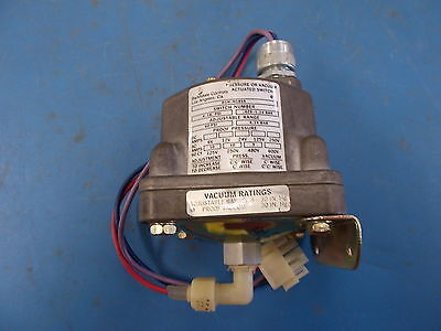 Barksdale, Pressure or Vacuum Actuated Switch, D1H-H18SS