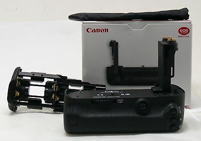 Canon BG-E11 Battery Grip for EOS 5D Mark III 3 boxed MINT-