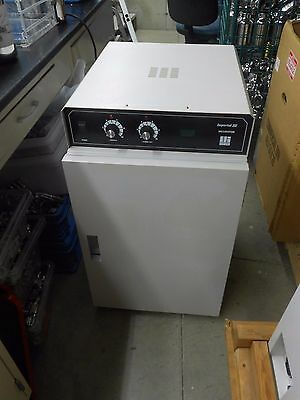 Lab-Line Imperial Iii Model 305 5.2 Cu-Ft 65º General Purpose Incubator