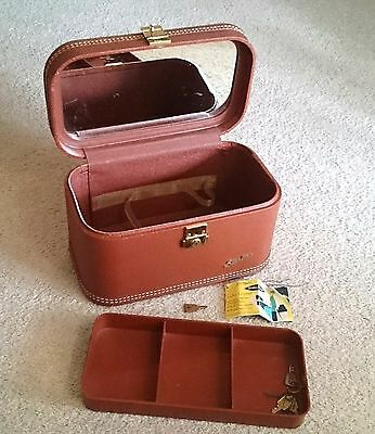 Vintage Starline 1950 60 Makeup Overnight Airplane Train Case with orig tag key