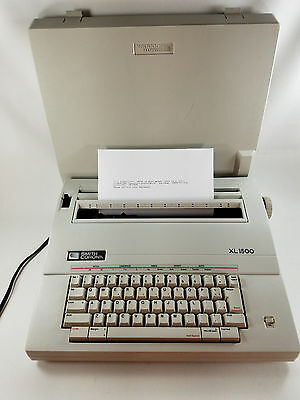 SMITH CORONA Portable Electric Typewriter Model XL1500 5A Clean & Works Great!