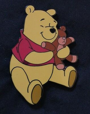 Disney Auction PIN Rare Hard To Find Limited Edition 250 Pooh Teddy Bear
