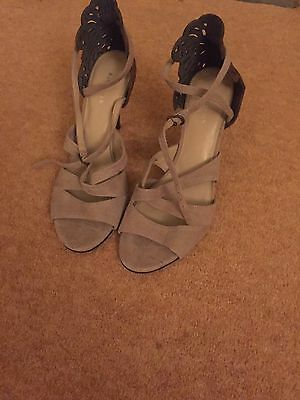 Ladies Size 7 Summer Sandals In Brown And Beige Suede Effect