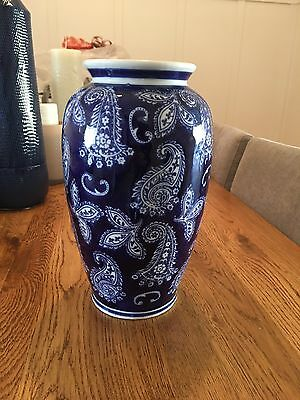 Large Blue and White Oriental Vase RRP $60