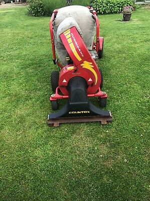 countax Hurricane ES400 Leaf & Litter Vacuum Self Propelled With Hose Pack