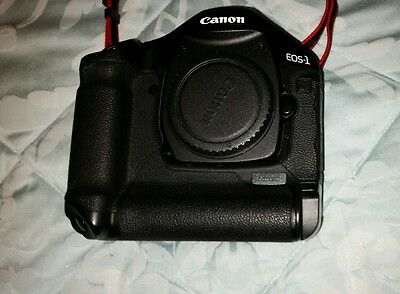 canon eos 1d mark 3, leneses, flashgun and lowepro backpack