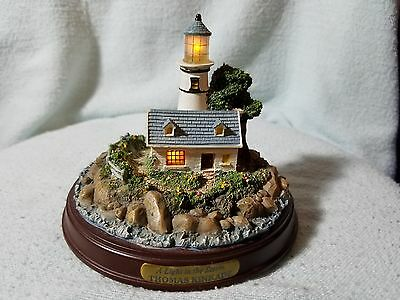 """Thomas Kinkade Light Up Cottage And Lighthouse A Light In The Storm 5""""W x 4""""H"""