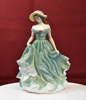 A Beautiful Royal Doulton Figurine 'best Wishes' Hn 3971