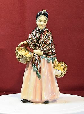 A Beautiful Early Royal Doulton Figurine 'the Orange Lady' Hn 1759