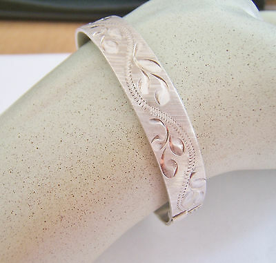 ORNATE VINTAGE FLORAL ENGRAVED ENGLISH STERLING SILVER BANGLE 18.5g