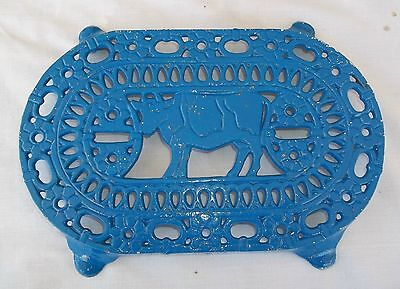 Antique Ornate COW & Daisies Footed Cast Iron Trivet Vintage Farm Estate Find