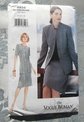 Oop  Vogue Woman 9934 Fitted Suit size 14-18 New