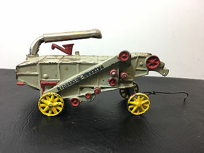 Arcade McCormick Deering Thresher farm vehicle toy Cast Iron 1927-1941 ORIGINAL