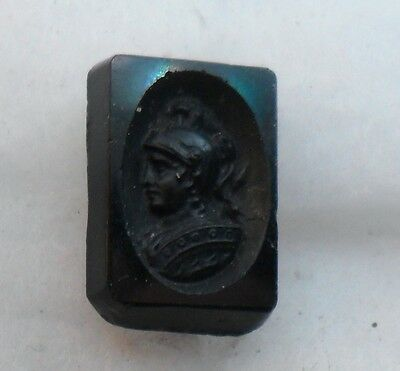 "WOW 3/4"" Soldier in Oval Frame GlassBlack Antique Button 489:39"