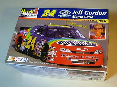 Revell/Monogram 1/24 - # 24 Jeff Gordon Dupont NASCAR Model Kit # 85-2476  NIB