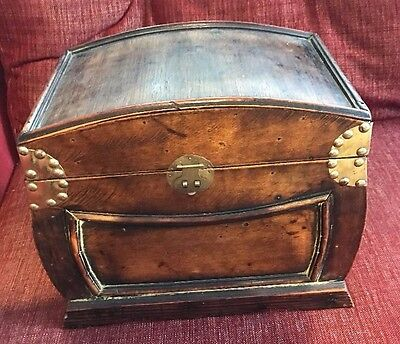 Vintage Wooden Antique Chest / WILL POST