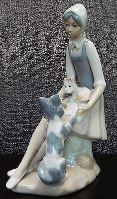 Lovely Lladro style Casades figurine of a Girl with her Two Dogs