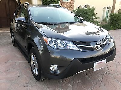2015 Toyota RAV4 XLE Sport Utility 4-Door 2015 TOYOTA RAV4 XLE FWD 4D SUV GRAY VERY LOW MILES LIKE NEW EXCELLENT CONDITION